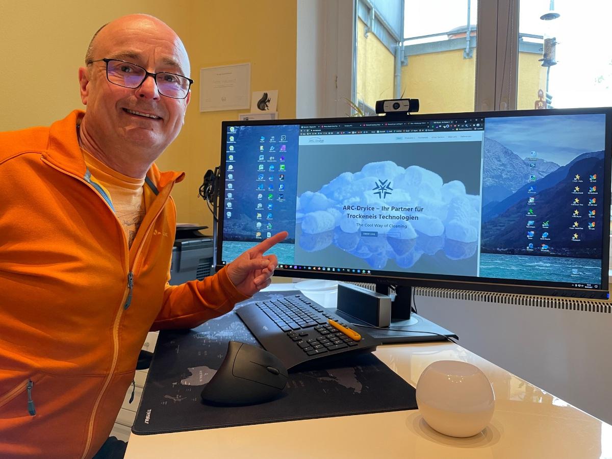 Screenshot der Webseite für Gutachter Dirk Schwarz